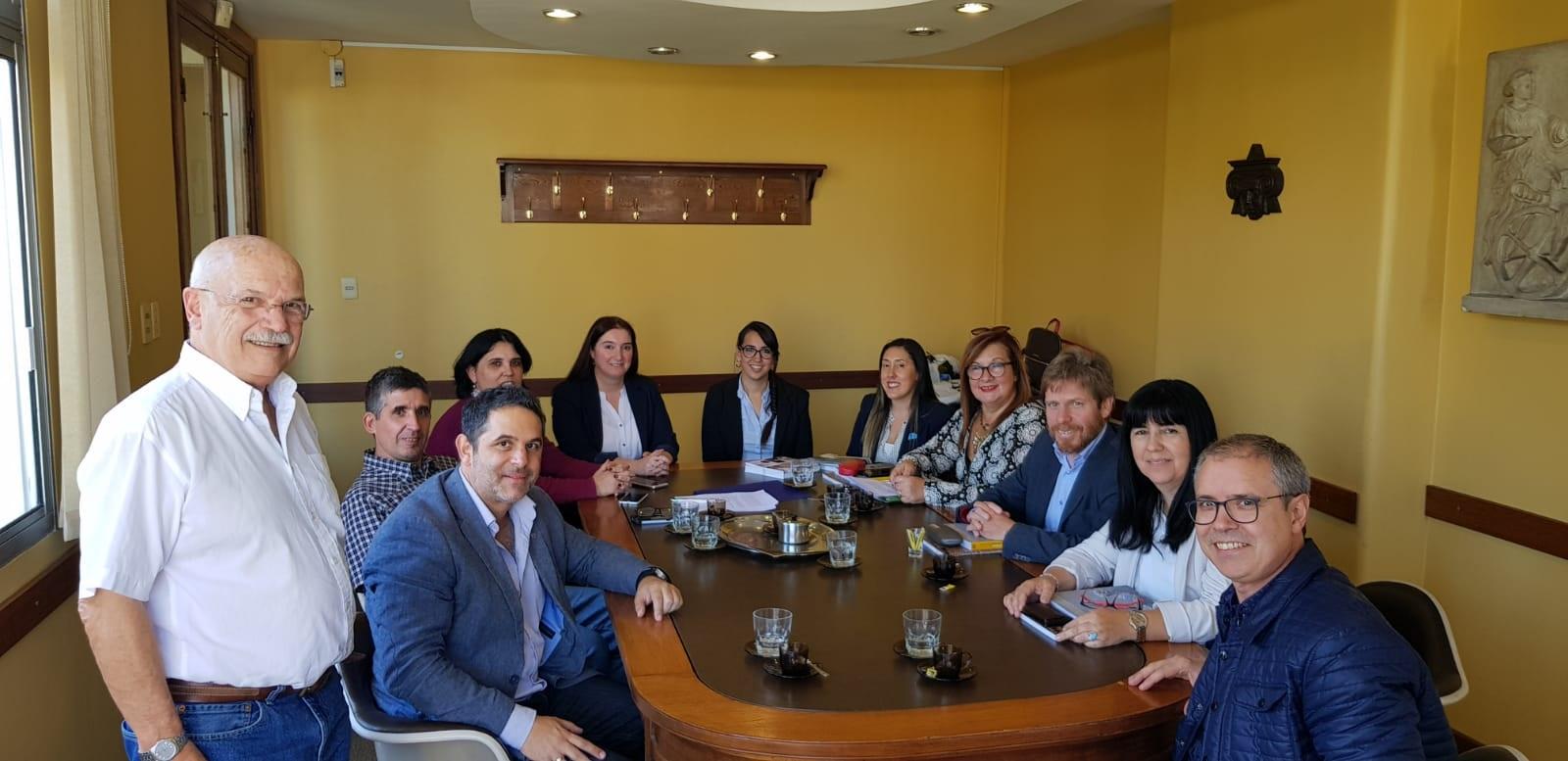 Firma de convenio Antel y SAU