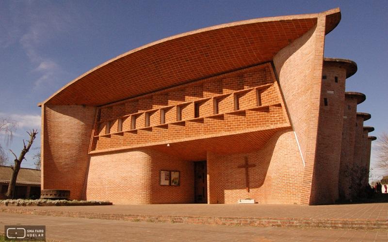 Iglesia del Cristo Obrero, del Ing. Eladio Dieste, es Patrimonio Mundial de la UNESCO