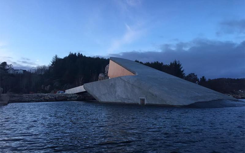 Under | Arquitectura que transporta a un nuevo mundo